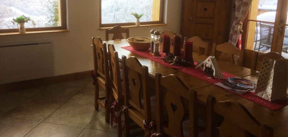 Meribel Apartments - Chalet Champetre Dining Area